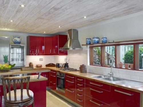 Estate Villa Kitchen